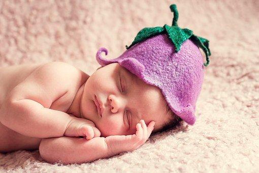 comment masser un bebe qui a des coliques